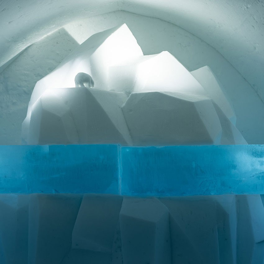 http://www.franziskaagrawal.com/files/gimgs/th-120_Icehotel30_tipoftheiceberg_franziska_agrawal_sqweb_v2.jpg